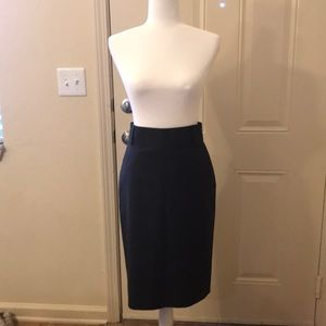 Banana Republic pencil skirt•EUC•Dark Grey•Size 2
